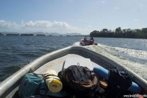 Базовият лагер е достъпен само с лодка